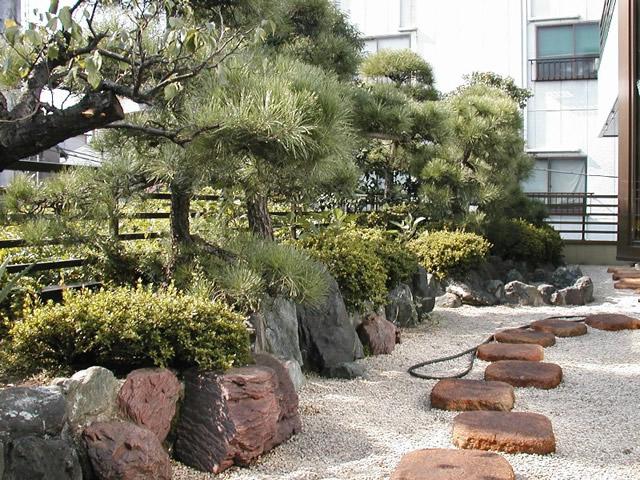東京都・Y社空中庭園造成工事 の写真