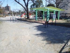 公園工事の事例紹介その4 ダスト舗装と健康遊具2基設置