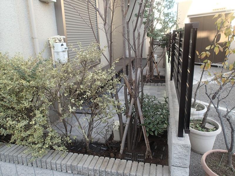 個人様の御庭にインターロッキング舗装
